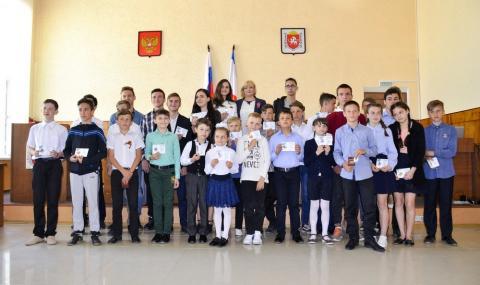 Юные черноморские  спортсмены получили значки  «Готов к труду и обороне»