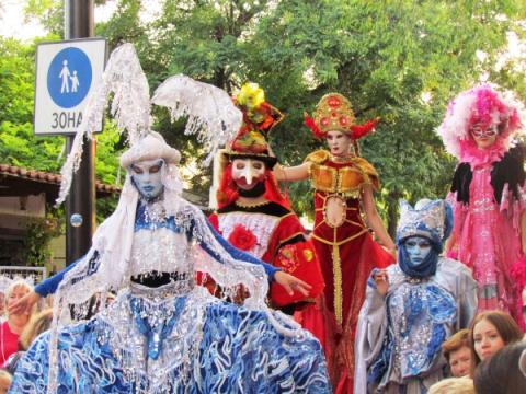 Фестивальный июль. Летний сезон в Крыму набирает обороты
