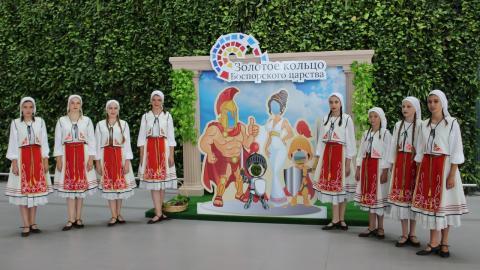 Античная фотозона появилась  в аэропорту «Симферополь»  по инициативе Минкурортов