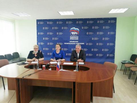 За два месяца работы волонтерского центра  помощь получили более 20 тысяч крымчан
