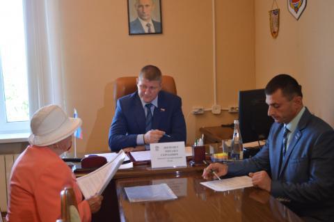Депутат  Государственной Думы  Михаил Шеремет провёл личный приём граждан
