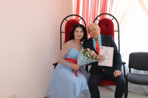 В Черноморском сегодня отмечается небольшой «свадебный бум»
