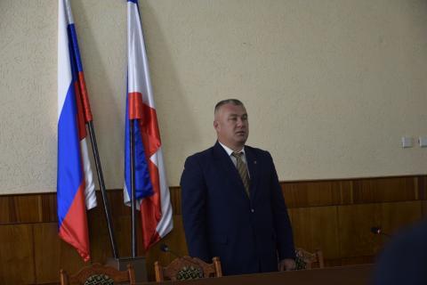 Первое заседание сессии  Черноморского районного  совета 2 созыва