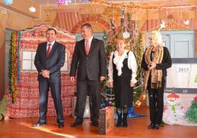 Руководители района поздравили красноярских  школьников  с наступающим Новым Годом